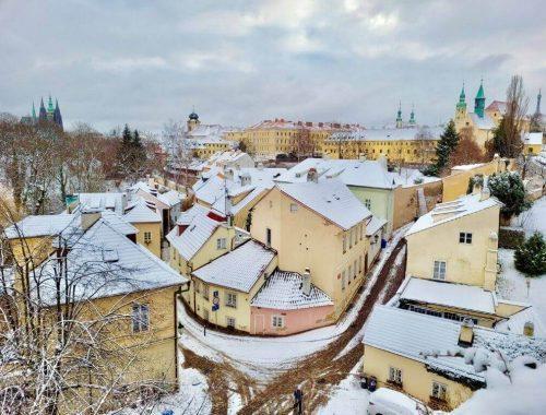 布拉格旅遊月份穿搭準備